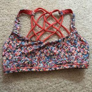lululemon free to wild bra sz 4 - flowery pattern